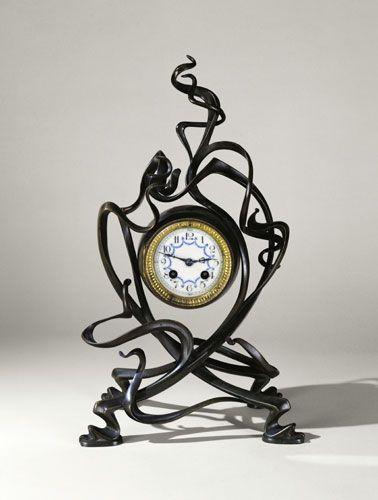 victor horta clock design