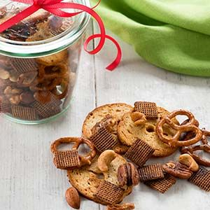 Celebrate the season by the handful! Savor the flavors of organic garlic and paprika in a cleaner version of classic snack mix made with coconut oil and less salt than many traditional recipes.