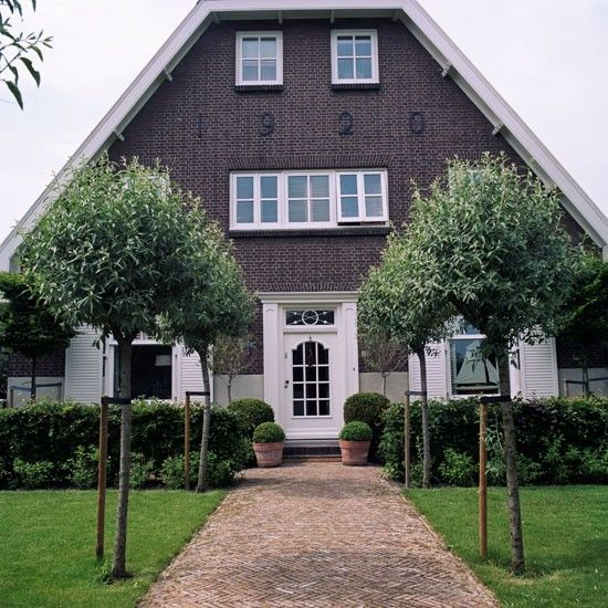 Exterior | colonial-style dutch house | House tour | classic decorating | PHOTO GALLERY | Homes & Gardens | Housetohome