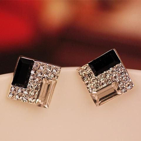 Beautiful Earrings https://54amour.net/collections