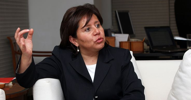¡Atención Uribistas se les requiere con Urgencia frente a la Fiscalía para un nuevo Plantón Pacifico!....  La exdirectora del DAS se encuentra en el búnker de la Fiscalía. Su abogado pedirá un sitio de reclusión especial.
