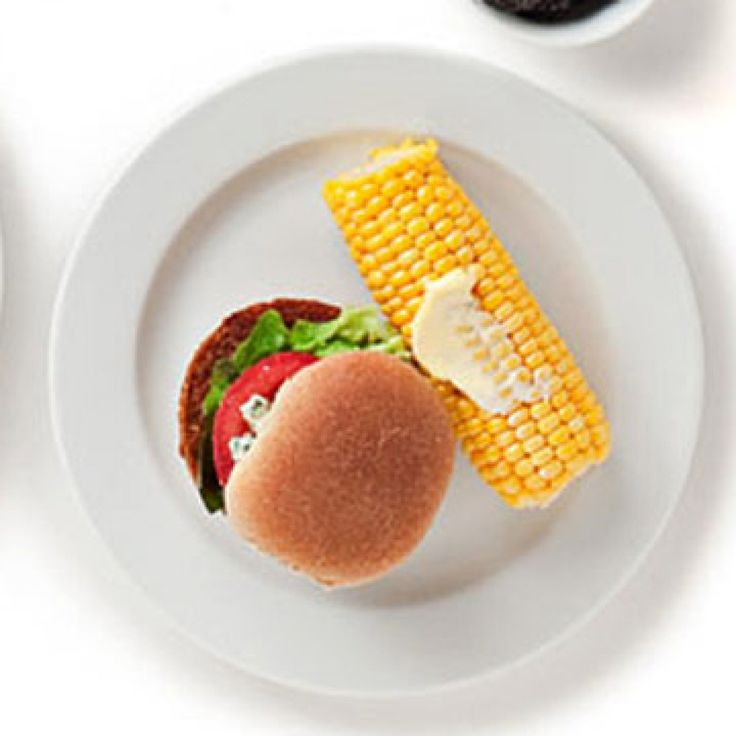 1 Boca vegetarian burger on a whole wheat hamburger roll with 1 tomato slice, 1 lettuce leaf, and 1 tablespoon crumbled blue cheese. Have with one 5-inch boiled or grilled corn cob spread with 2 teaspoons margarine with sterol. - FamilyCircle.com