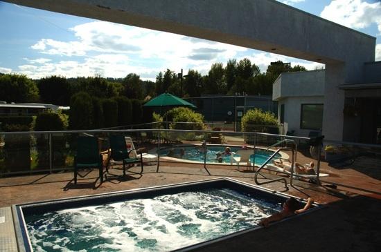Holiday Park Resort | Kelowna, BC, Canada