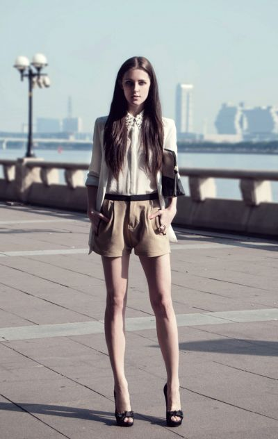 http://www.fashionfreax.net/outfit/398502/Two-Toned-vol2