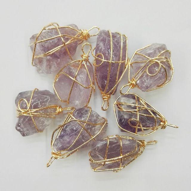 Мода 2 шт. Золотой проволоки Фиолетовый кристалл природный камень подвески подвески Нерегулярные Ожерелье для изготовления Ювелирных Изделий Бесплатная доставка