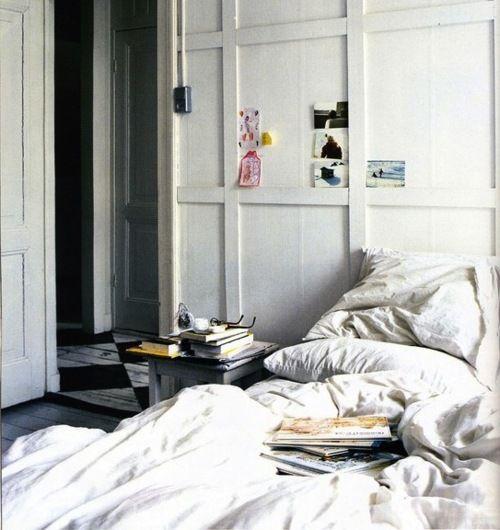 walls: Bedtime Stories, Beds Rooms, Bedrooms Design, Architecture Interiors, White Bedrooms, Design Home, Bedrooms Decor, Bedrooms Ideas, Bedrooms Wall