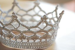 Ravelry: Royal Crown pattern by Lotta Breyer free download
