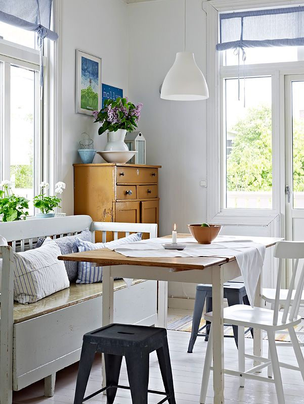 So homey and bright, airy, and casual/relaxing