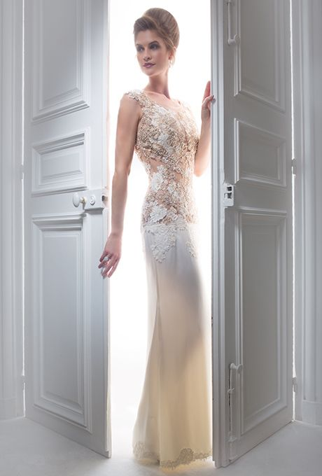 Brides: Diamant Blanc. Embroidered A-line ivory lace dress with silk crepe skirt.
