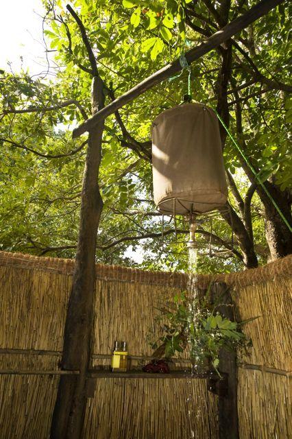 Outdoor shower of Island Bush Camp chalet