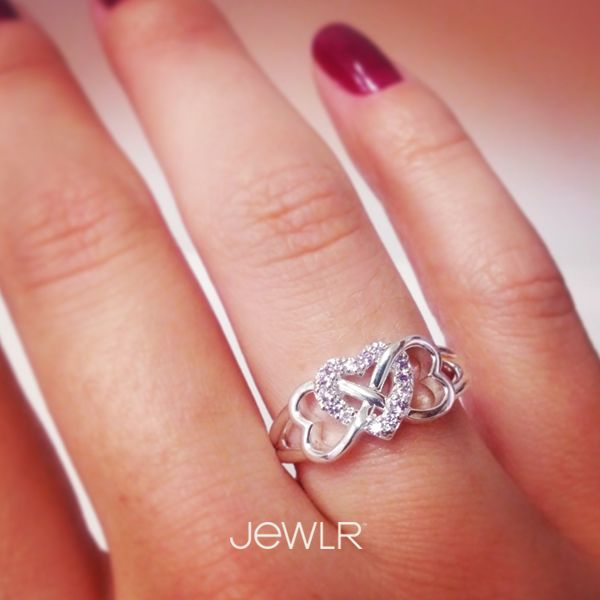 This is so cute! Would love if you could get the center heart in birthstone! Would be an awesome family ring