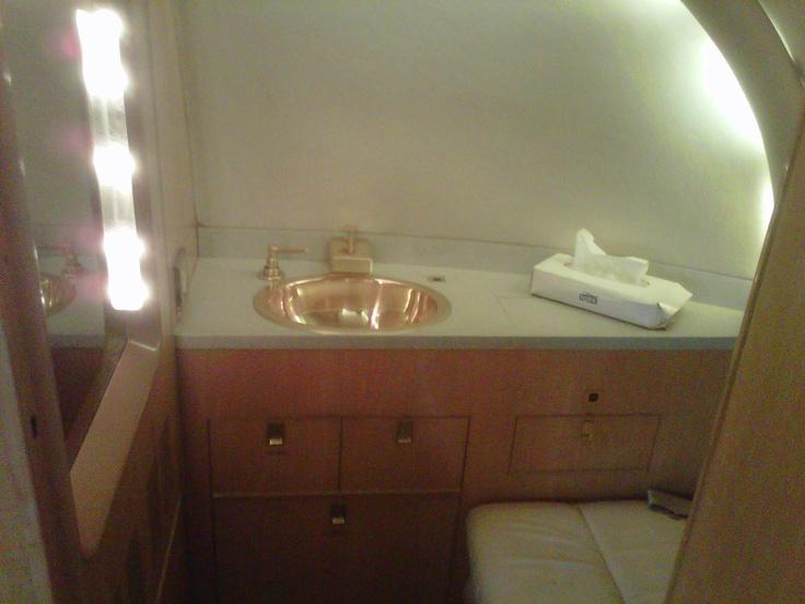 Washroom of Hawker 850 xp