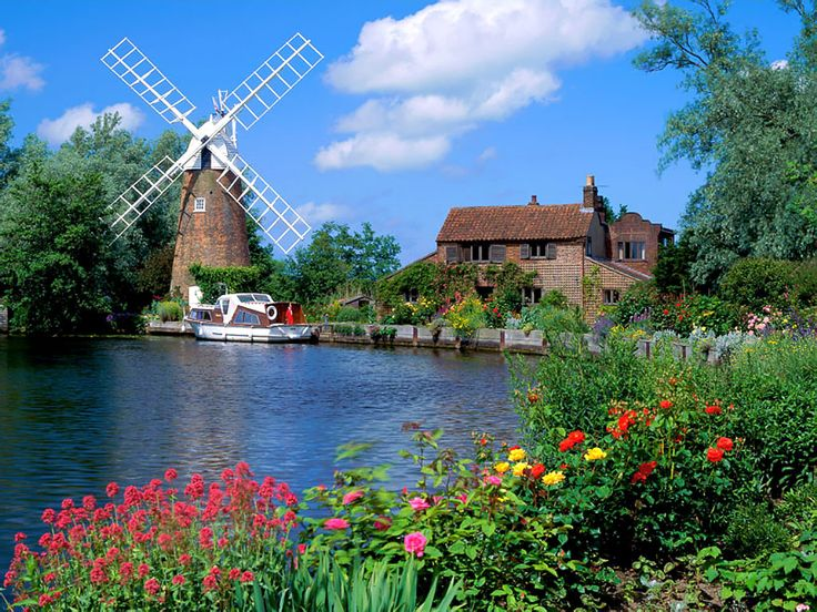 This is a picture of Norfolk, England and its so beautiful and seems like it'd be a peaceful place to visit.