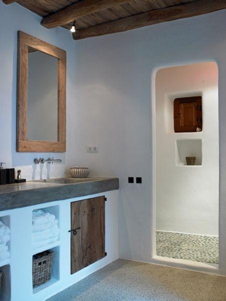 Altra idea per la doccia e il gioco di spazi rispetto al resto del bagno.