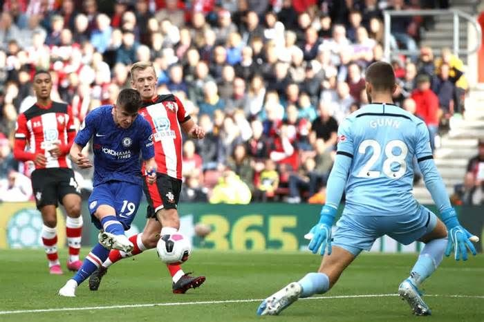 Latest News For Mason Mount Portsmouthborn Chelsea Star Doesnt Hold Back In His Celebrations At Southampton Chelsea Star Chelsea News Southampton
