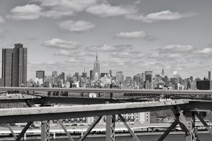 This is a view from the Brooklyn Bridge in New York City.    @davide boccardo