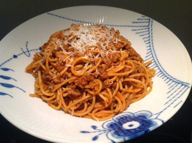 Evas Køkken: Spaghetti med tæt aromatisk kødsauce