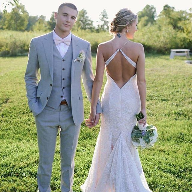 • Never look B A C K •  via @chamonixbride, @ericaleephotography & @erinmullermakeup  Beautiful bride and groom: @domkiwn & @codyw1lk1nson  #tiadorabridal #style7504 #bohobride #bohobabe #freespirit #bride #bridal #engaged #wedding #realweddings #jlmcouture