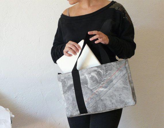 SALDI -20% // Borsa a mano in tessuto bianco e nero, borsa da lavoro porta documenti e porta computer by mandulis #italiasmartteam #etsy