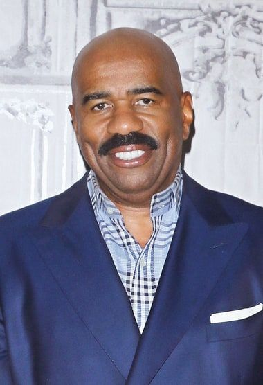 Steve Harvey joked in an Instagram pic posted on Friday, Dec. 25, about his mistake in naming the new Miss Universe — see the photo!