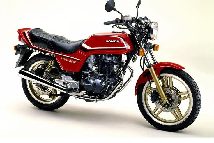 80年代グラフィティ 400その5 HONDA CBX400F   Moto Be バイクの遊び方を提案するWEBマガジン、モトビー