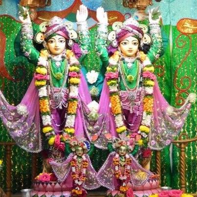 Today's Darshan (17-01-13) Gaurnitai @ISKCONPune
