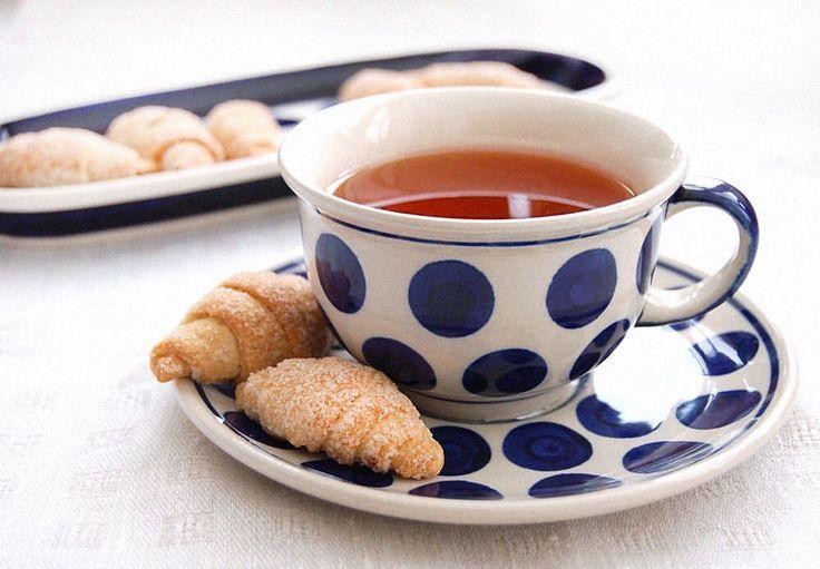 Много ли нужно для начала хорошего дня?)  Тут не обойтись без красивой чашки или сервиза;)  Окружайте себя прекрасным!  Интернет-магазин http://potterymagic.com.ua/ Доставка по всей Украине. #pottery_magic #керамика #домашнийдекор #pottery #чай #teaset