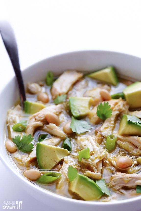 5 Ingredient White Chicken Chili Recipe   Quick, easy, and crazy good! gimmesomeoven.com