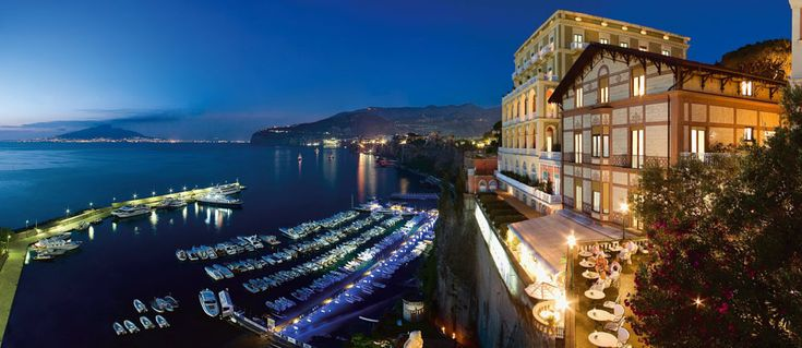 Sorrento Hotel Sorrento Lusso luxury Hotels Grand Hotel Excelsior Vittoria sorrento's finest resort luxury accommodation leading hotels - free Wi-Fi connection
