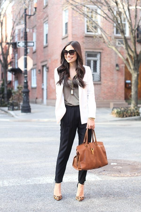 Fashionable work outfits for women  (33)