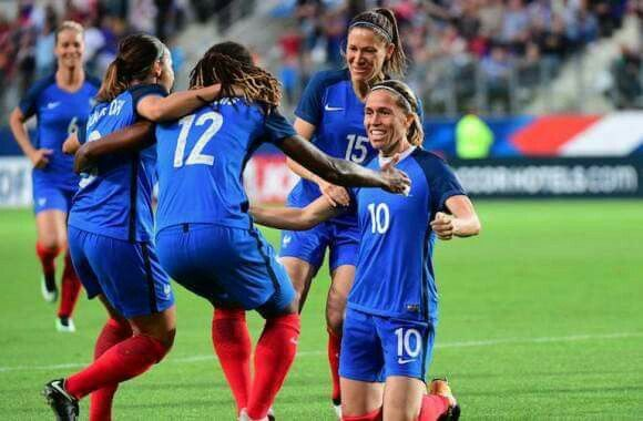 C'était le dernier match de Camille ABILY en Equipe de France..   183 sélections en Equipe de France,37 buts... quelle grande dame, grande footballeuse.  MERCI CAMILLE ABILY ❤️