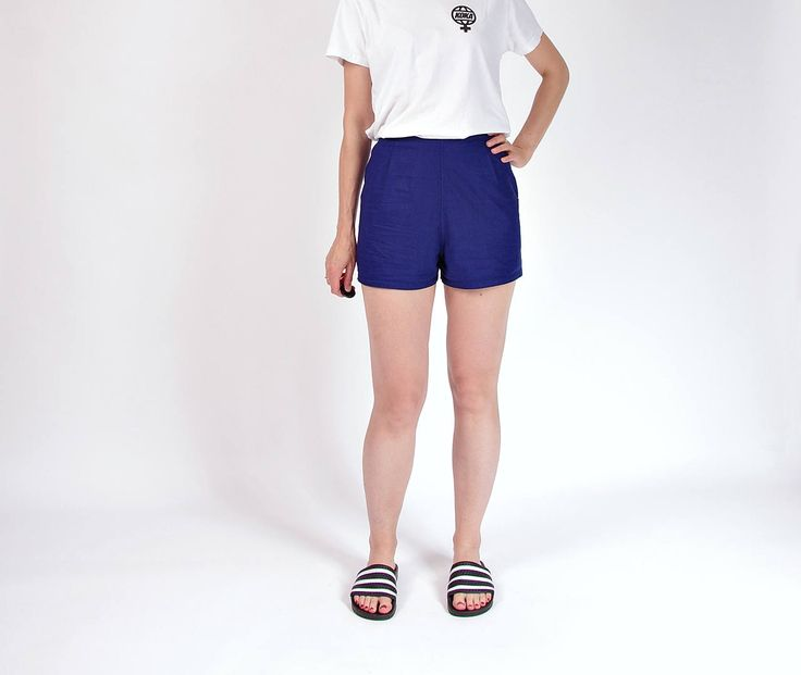 70s Linen indigo high waisted shorts / size M-L by Only1Copy on Etsy