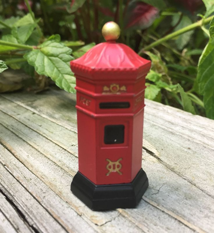 SALE Dept. 56 Red Mailbox Mail Post Christmas Figures Putz Figures A Christmas Carol Dicken's Village