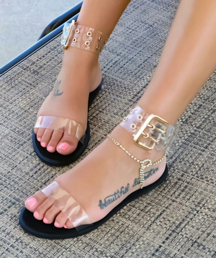 JACKSHIBO Summer Men's Flip Flops Simple Design Light Beach Slippers casual Fashion Men Flat Flip-flops sandalias hombre 7.5-9.5. Discount Price: US $7.71 - 8.67 / http://ali.pub/1u6w5i