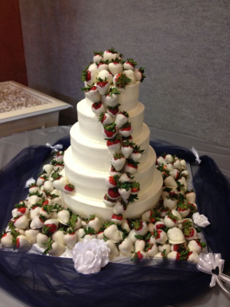 Chocolate covered strawberry wedding cake made by Justine Hetrick Visit Facebook Paige special