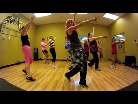 I Need Your Love - Calvin Harris ft. Ellie Goulding Zumba with Mallory HotMess - YouTube Good dance!