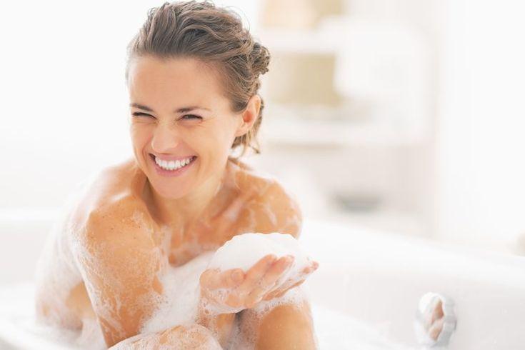 Tipos de higiene personal. Mantener una adecuada limpieza del cuerpo es fundamental, pero no es el único elemento de una buena higiene personal. Las buenas prácticas de higiene continúan, de manera literal, durante todo el día. Cepillar tus dientes al menos dos veces al día, lavarte las manos en ...