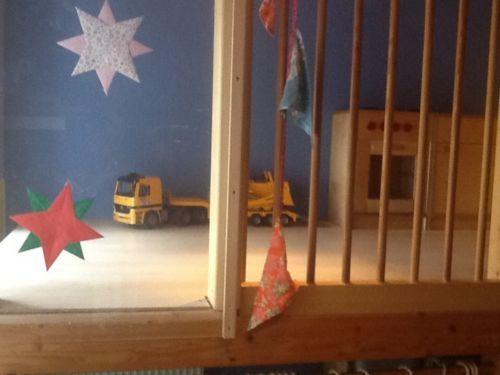 Tolle hochebene spielebene hochbett f r klein gross for Kinderzimmer echtholz