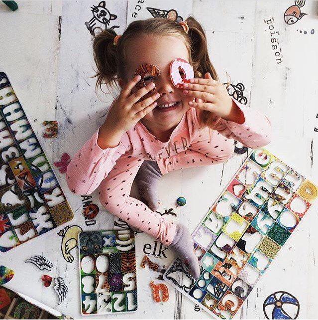 Почему ребенок не хочет учиться читать?  1️⃣В семье никто не читает  2️⃣Неправильный метод обучения   3️⃣Родители не читают ребёнку. Задача родителя – показать, что чтение моет быть лёгким и увлекательным.   4️⃣Выбор книг.  Помните, что при выборе книги нужно учитывать интересы ребёнка.   5️⃣Родители нервничают.  Главное – сохранять спокойствие.  6️⃣Проблемы со зрением  Вполне возможно, что при чтении ребёнок испытывает физический дискомфорт.