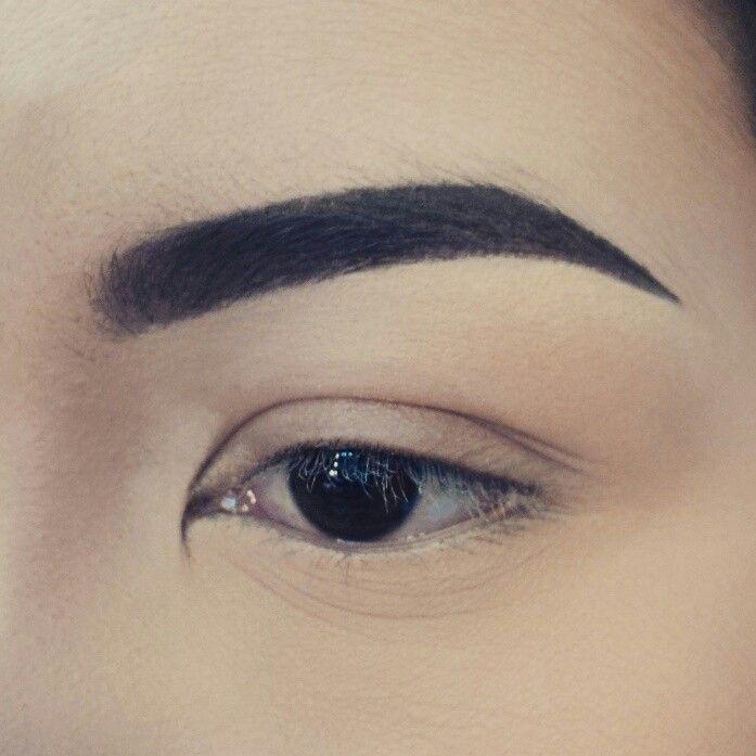 Eyebrow shape