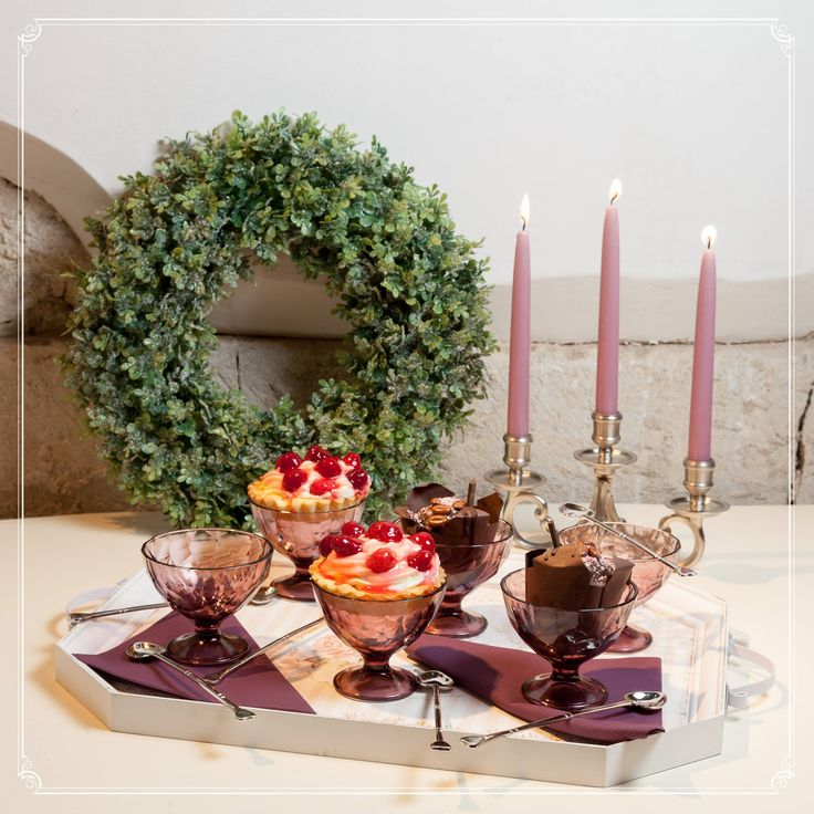 Hmm, what a delicatesse! Enhance the beauty of your creation by placing them in luxurious cups!
