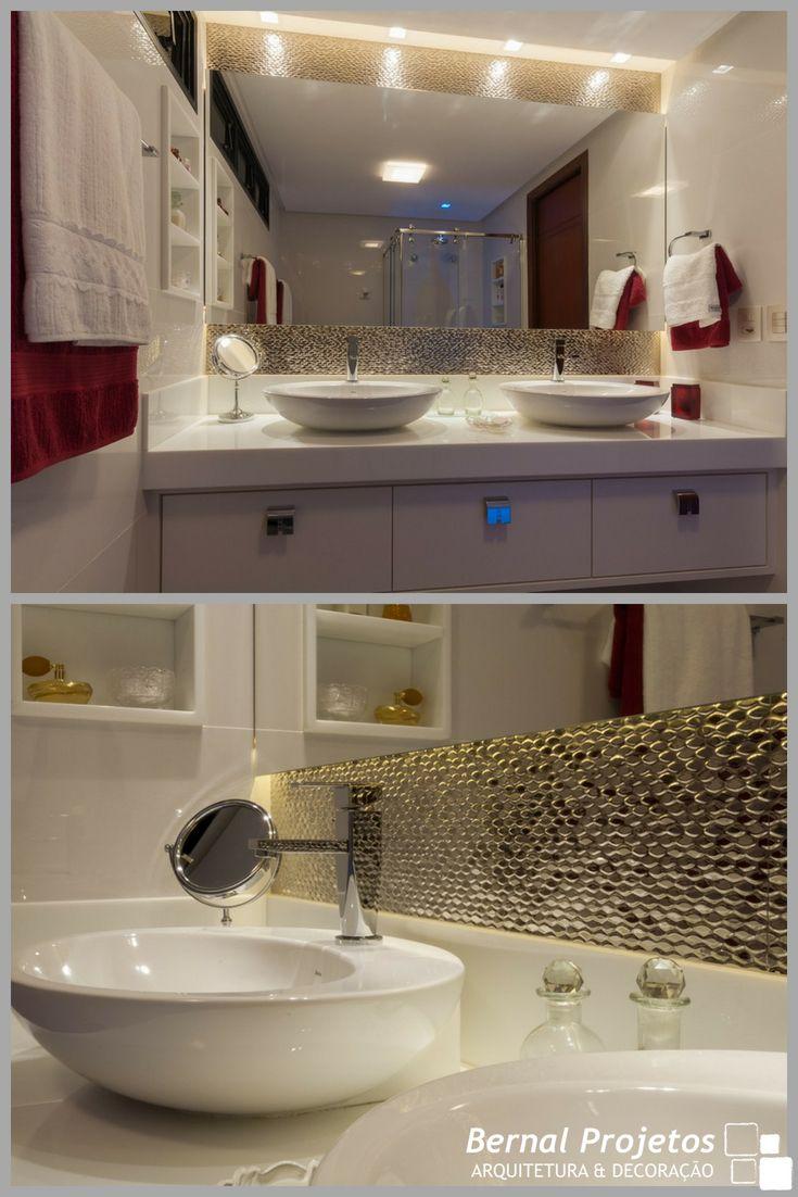 Banheiro Do Casal Com Pia Dupla Bancada Em Supernano E Espelho