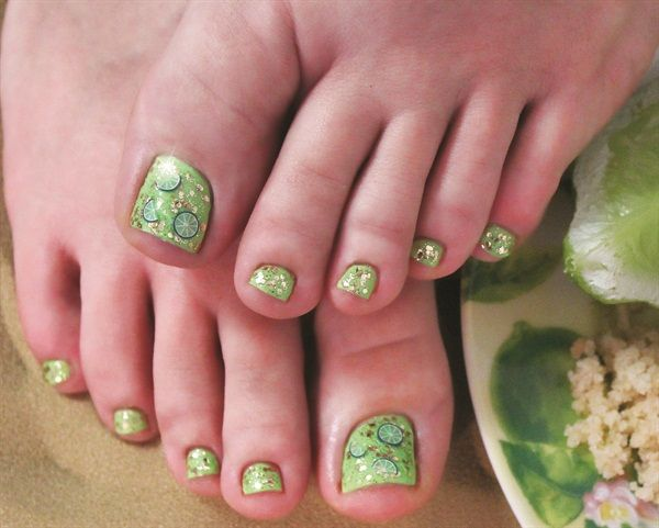 Signature Service: Key Lime Spa Gel Pedicure - Technique - NAILS Magazine