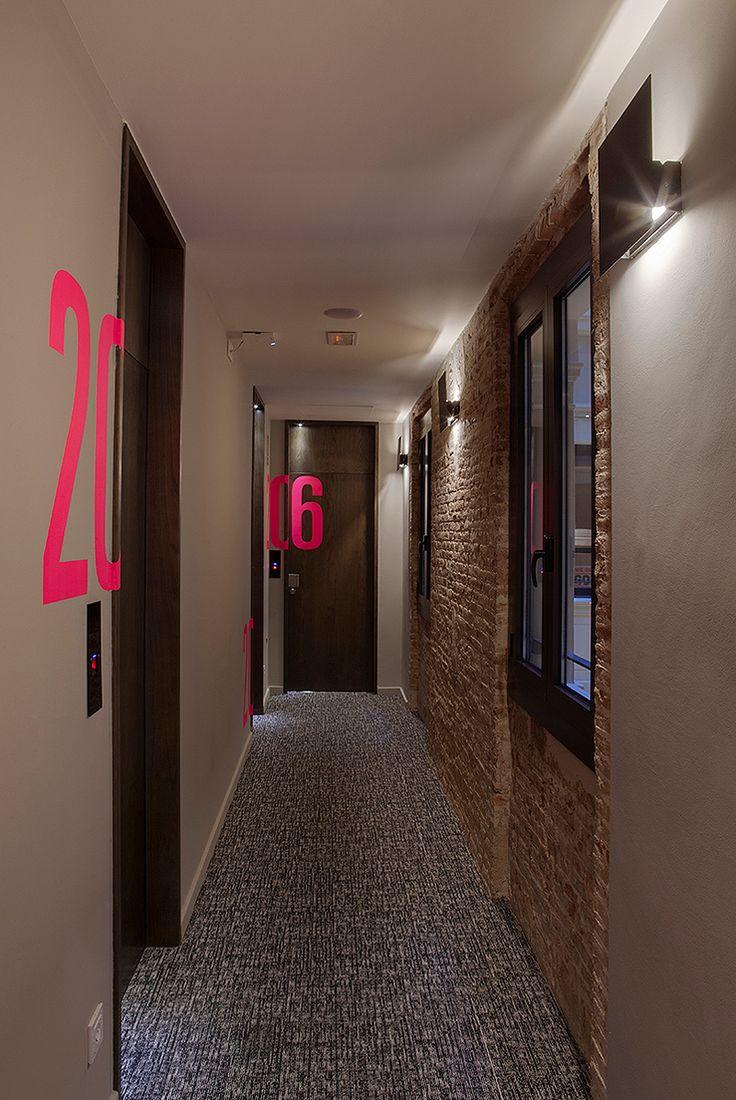 Awesome toc hostel en barcelona de gca arquitectos