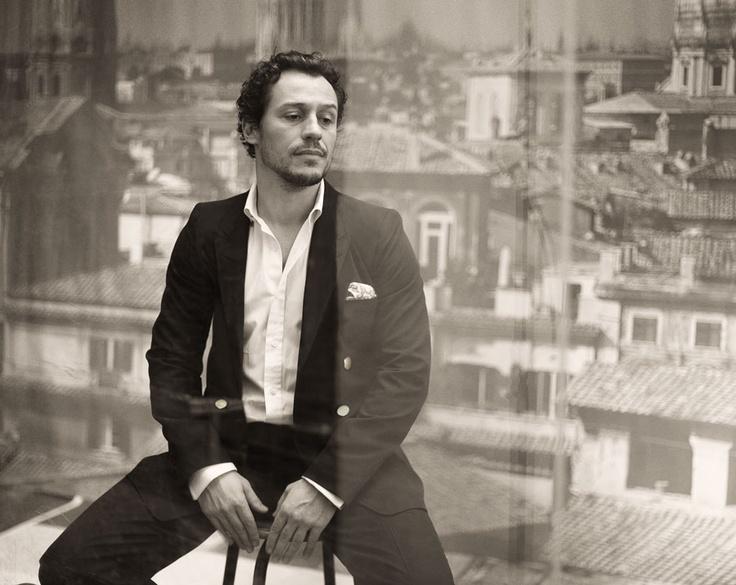 Stefano Accorsi, L'Uomo Vogue, marzo 2011