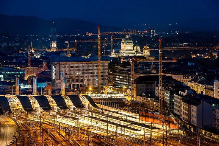 Bahnhof mit der Welle, Münster und #Bundeshaus in #Bern, aufgenommen am 10. Juli 2013. #Schweiz #Switzerland