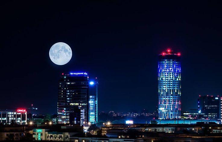 A night in Bucharest   photo credit : Eduard Gutescu
