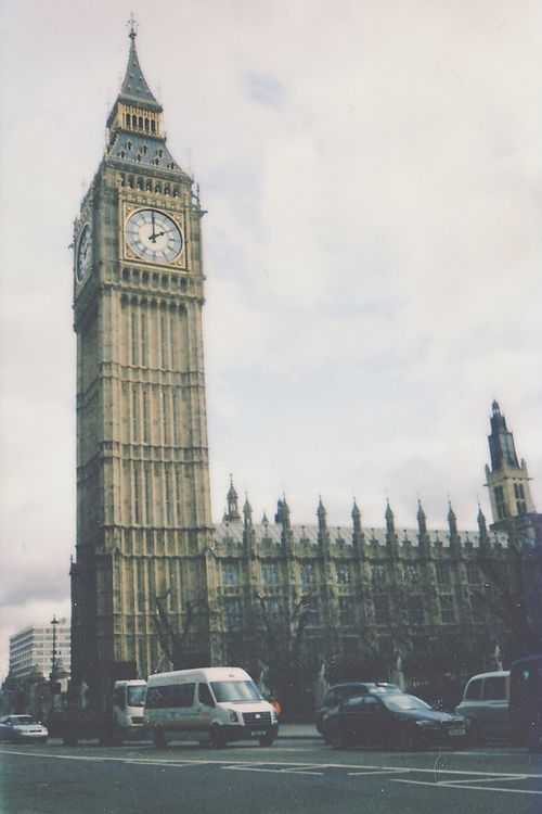 London, England. Nesse caso, para ir de novo e passar umas longas e boas férias para matar a saudade <3