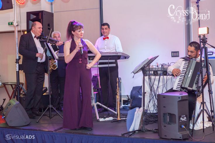 Nunta Diana si Stefan la Hotel Novotel Bucuresti. Muzica live asigurata de Formatie Nunta Cryss Band www.formatiacryss.ro