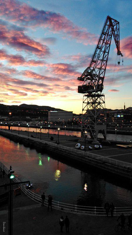 Puesta de sol en Bilbao por Donibane #bilbao #bizkaia #basquecountry #donibane #karola #nervion #river